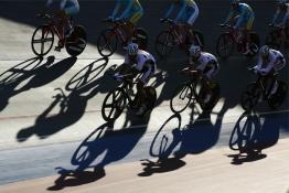 Քաթարի եւ Ղազախստանի հեծանվորդները մարզվում են Ինչխոնի միջազգային հեծանվահրապարակում: