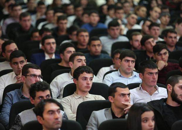 Հարցման մասնակիցները՝ փետրվարի 3-ին ՊՆ-ում կայացած հանդիպման ժամանակ