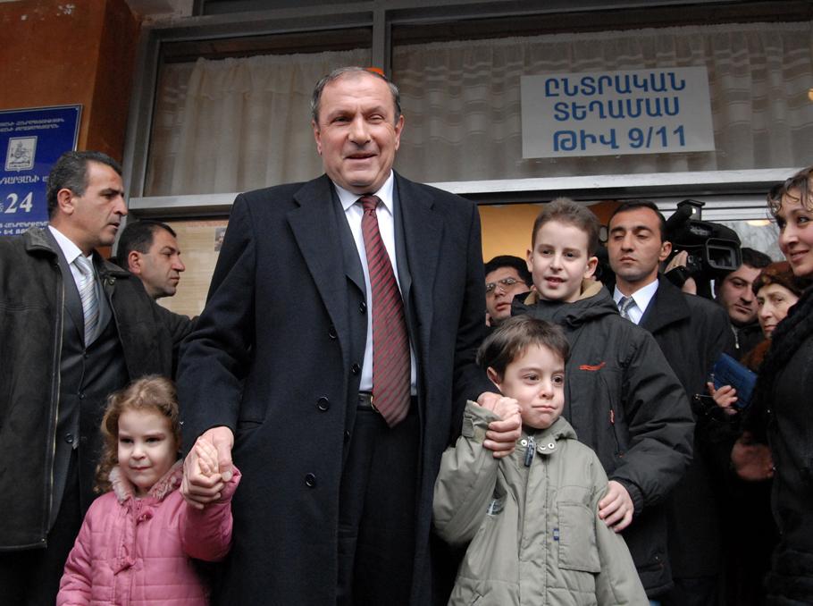 Левон Тер-Петросян в 2003 году