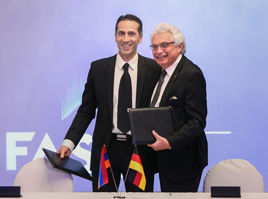 Исполнительный директор FAST Армен Оруджян и Карапет Андраникян