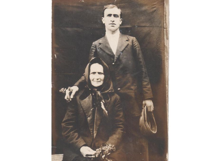 Sargis and Mavush. Grandmother's father Sargis with his mother Mavush.