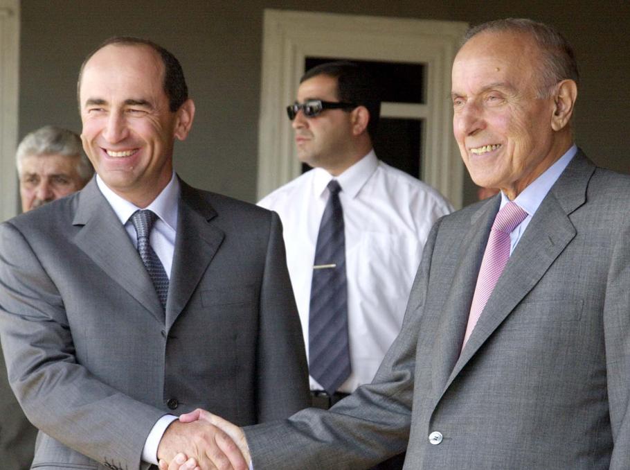 Ռոբերտ Քոչարյանը եւ Հեյդար Ալիեւը՝ Սարադակի հանդիպումից հետո